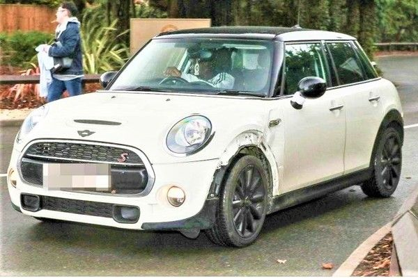 Kante driving his Mini Cooper S
