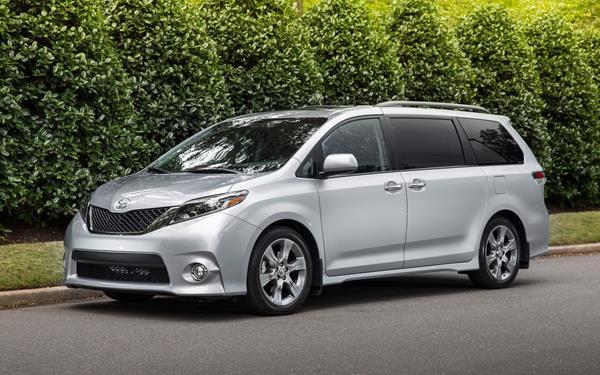 Toyota Sienna angular front