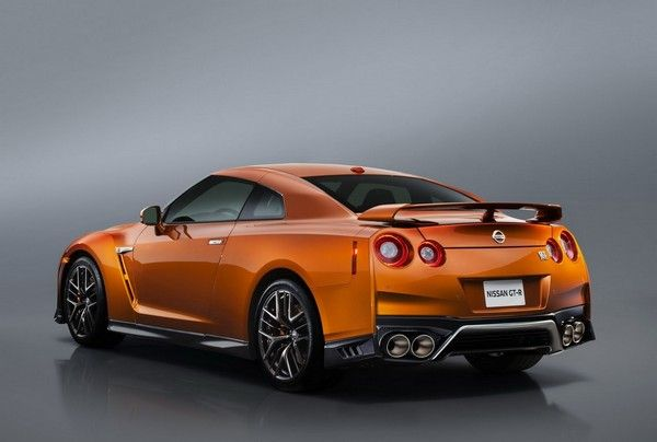 Nissan GT-R 2017 rear design