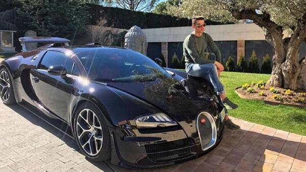 Ronaldo's Bugatti Veyron