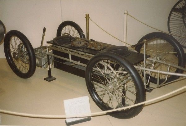 An ancient electric car