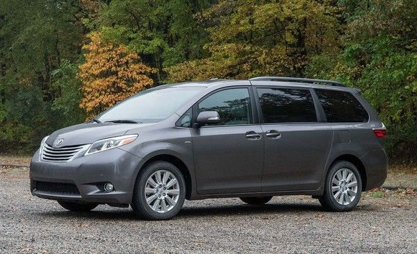 Toyota Sienna side look
