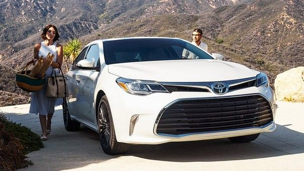 Toyota Avalon promo picture
