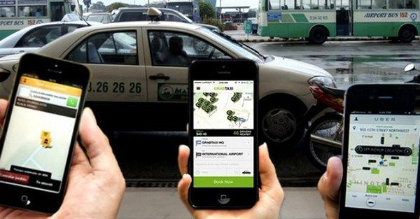 3 phones opening ride-sharing apps