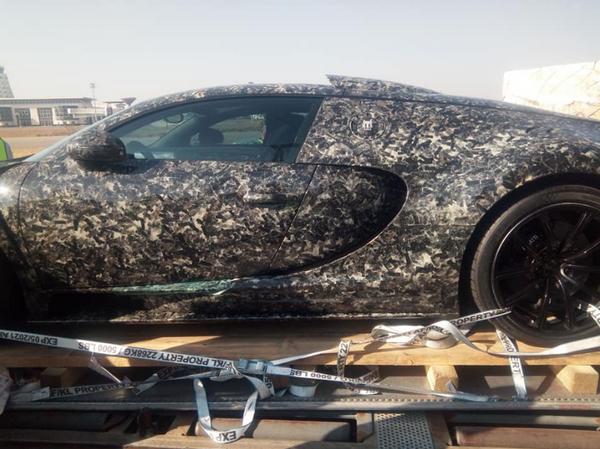 The side of the Mansory Bugatti Veyron Vivere (Diamond Edition)