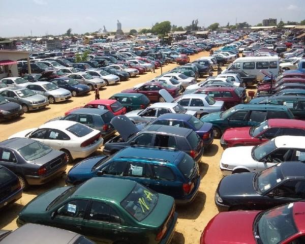 Cotonou car market