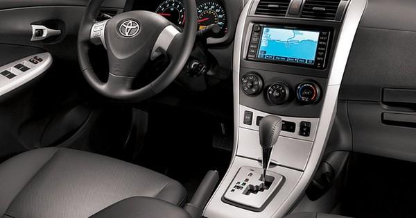 Toyota Corolla 2010 interiors