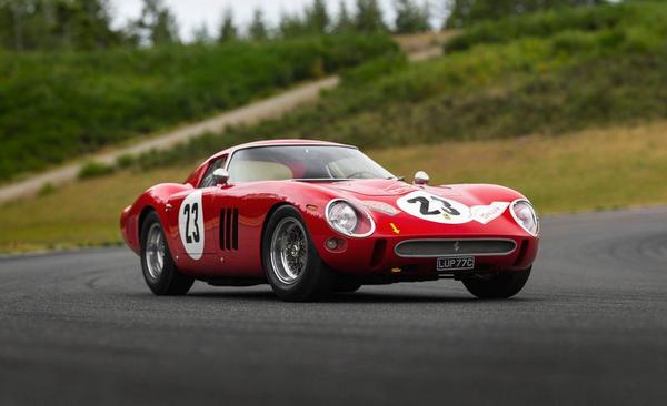 the Ferrari 250 GTO running on road