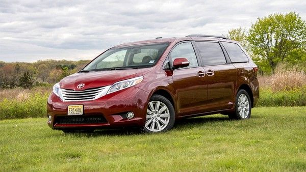 a red Toyota Sienna 2017