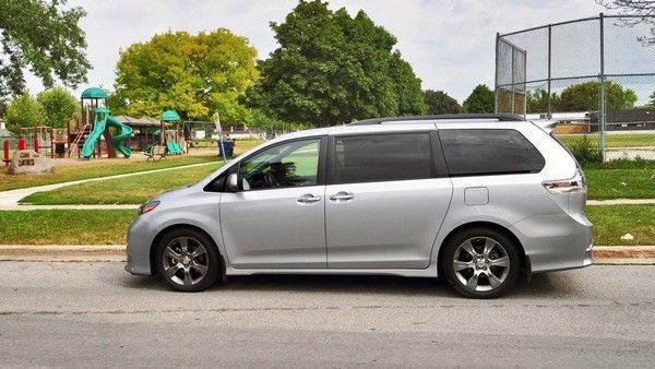 side look at Toyota Sienna