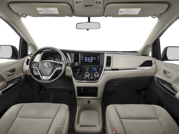 inside cabin of 2nd-gen Toyota Sienna