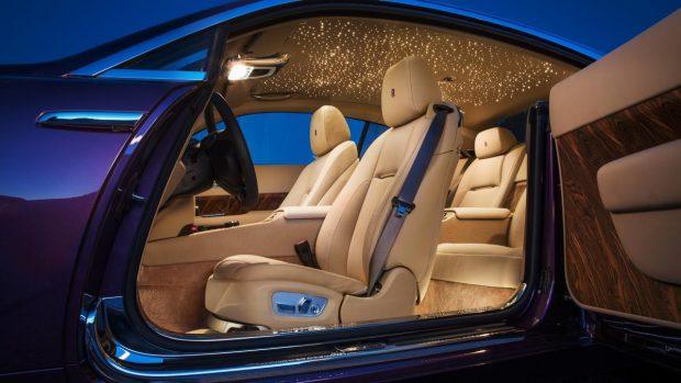 a Roll Royce Wraith Bleurion's interior