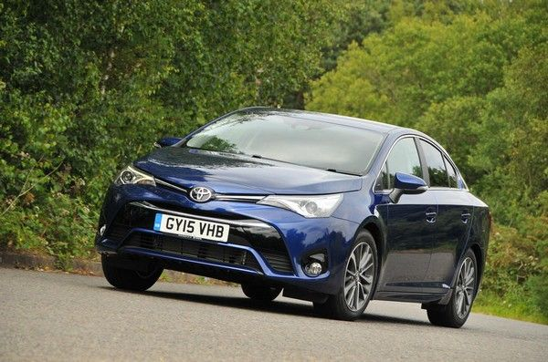 Toyota Avensis 2018 front design