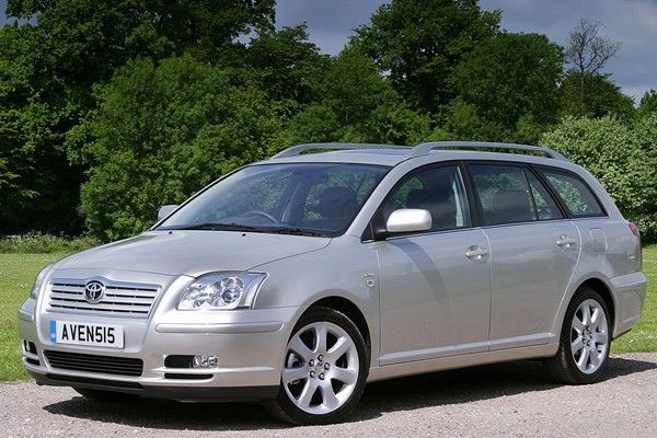a second-gen Toyota Avensis