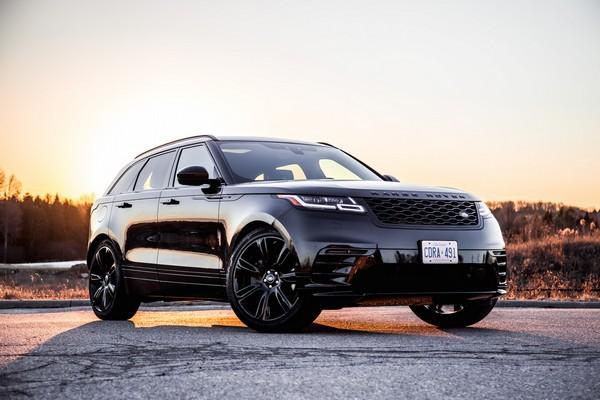 a black Range Rover Velar