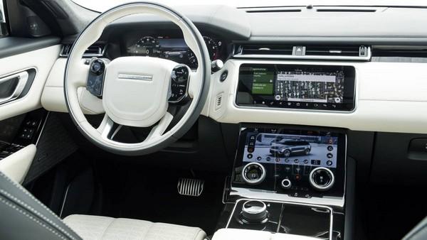 Range Rover Velar 2018 cabin