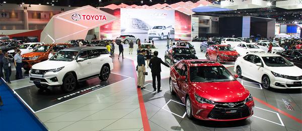 Inside the Chicago Auto Show