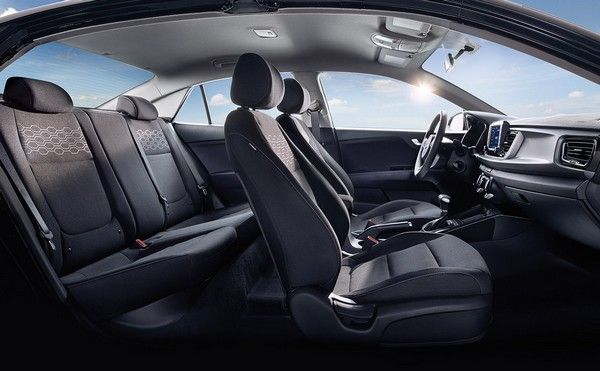 2018 Kia Rio cabin in black and grey