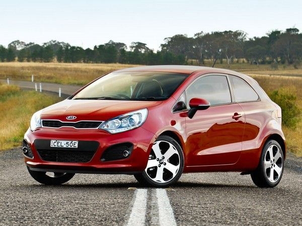 third-gen Kia Rio three-quarter look