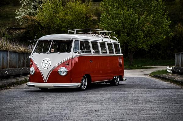 Angular front of the Volkswagen Kombi