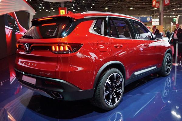 angular rear of the 7-seater LUX SA2.0 SUV at 2018 Paris Motor Show