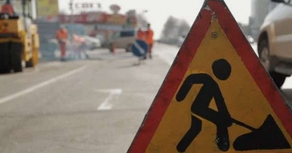 road-sign-for-construction-on-the-Third-Mainland-bridge