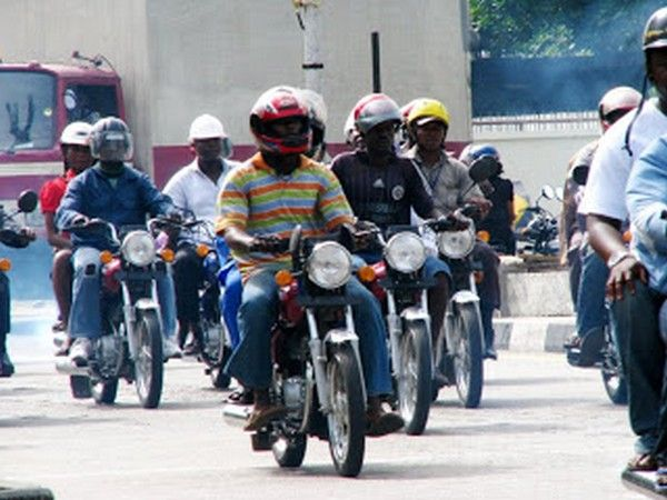 Nigerian-motorists-wearing-helmets