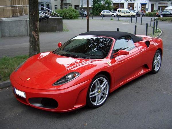 Angular front of the Ferrari F430 Spider