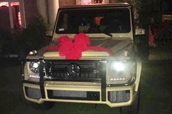 Femi Gbajabiamila's Mercedes-Benz G-Wagon present to his wife