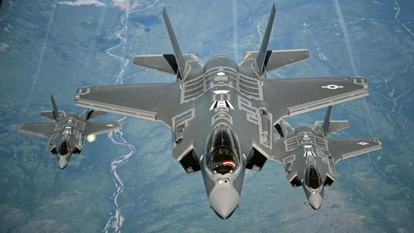 3 fighter jet F-35
