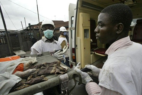 2 Nigerian medical personnel on job