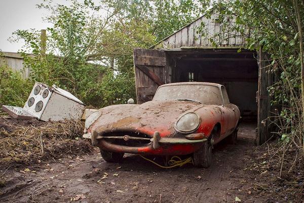 abandoned 1965 Jaguar E-Type