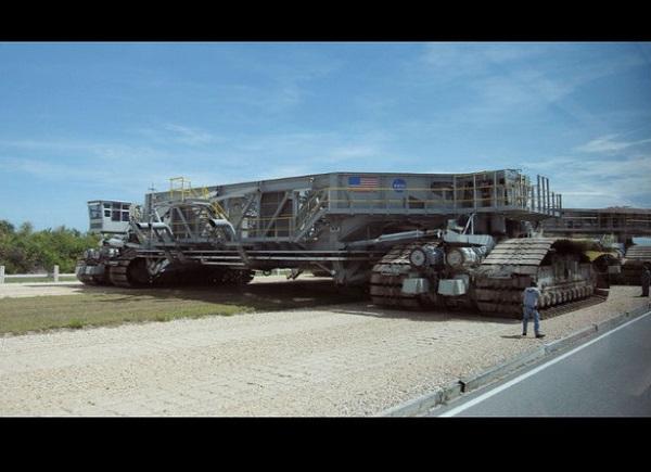 Image of NASA crawler-transporter
