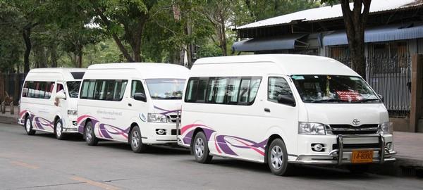 3-Toyota-minibuses