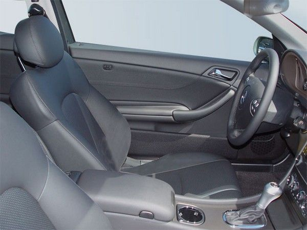 interiors-of-a-used-Mercedes-C230-2005