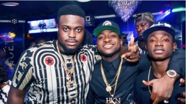 Davido-and-Lil-Kesh-and-friends