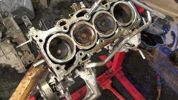 image-of-a-damaged-carburetor