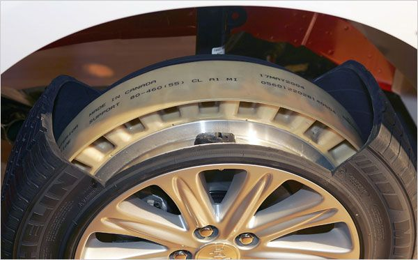 image-showing-the-internal-parts-of-a-run-flat-tire