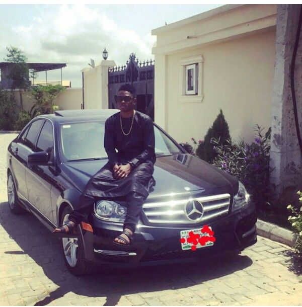 Lil-Kesh-and-his-Mercedes-Benz