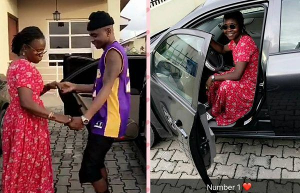 Lil-Kesh-dance-with-mom-beside-car