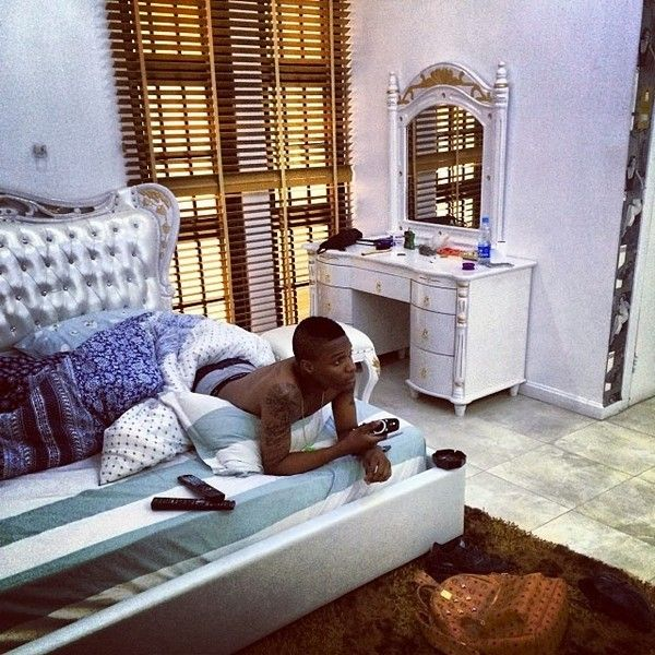 Find here: Wizkid cars, houses, networth and comparison with