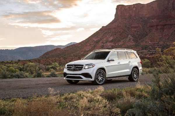 2017-mercedes-amg-gls63-front-three-quarter