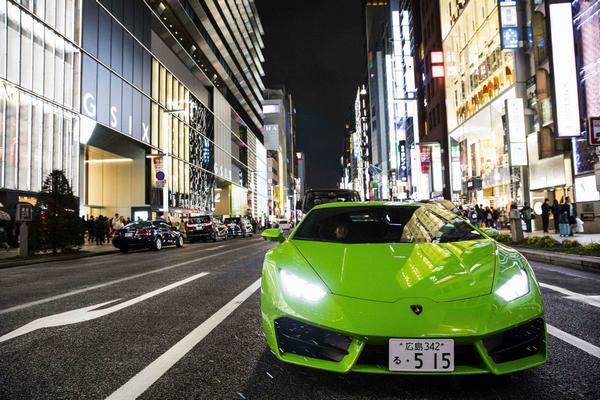 A green Lamborghini