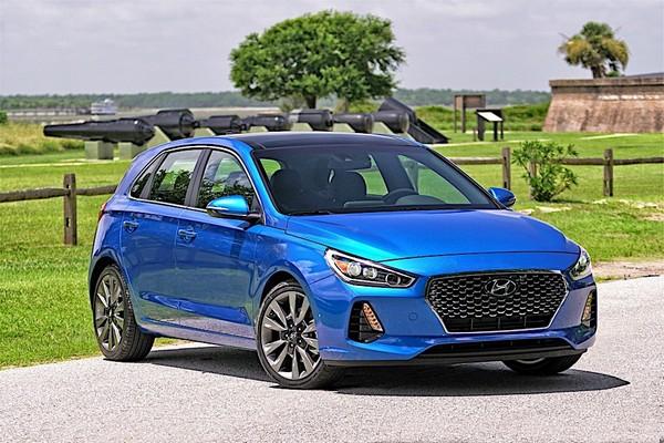 a-blue-Hyundai-Elantra-2018