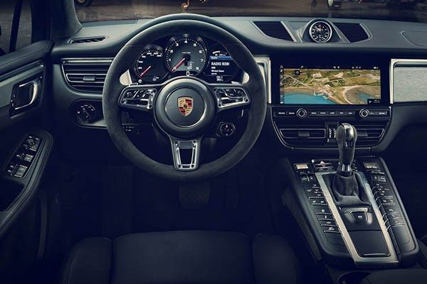 dual-clutch-gear-on-Porsche-Macan-2019