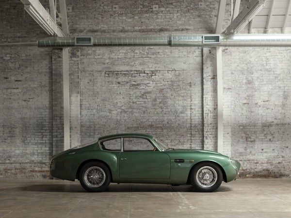 1962-Aston-Martin-in-green