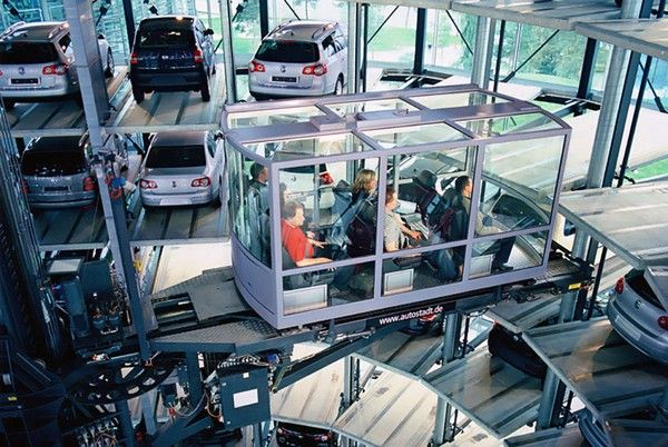 people-visit-Volkswagen-cars-museum