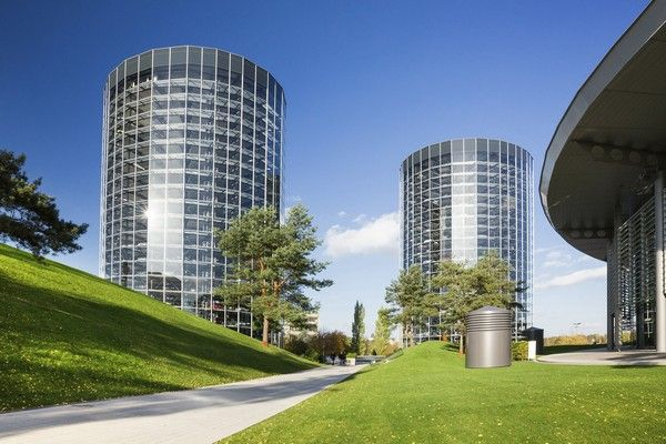 Volkswagen-2-glass-towers