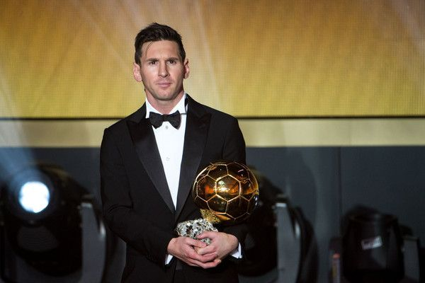 Lionel-Messi-receiving-the-Golden-ball