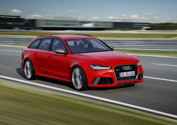 An-Audi-RS6-Avant-Performance-on-road